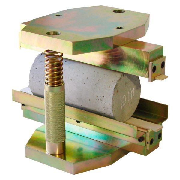 Dispositivo de tensión indirecta para el ensayo Brasilero sobre cilindros normales de concreto. Según la norma ASTM C496